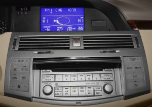 Toyota Avalon In Dash Cd Changer 2008to2010